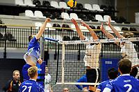 24-03-2021: Volleybal: Amysoft Lycurgus v Sliedrecht Sport: Groningen ,  Lycurgus speler Eric van der Schaaf tikt de bal over het blok