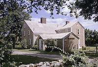 East Dennis, Massachusetts.The historic Josiah Dennis manse, (built 1736) in East Dennis, Cape Cod, Massachusetts