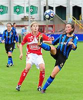 Club Brugge - Standard Femina :  duel tussen Julie Biesmans en Charlotte Laridon.fotografe Joke Vuylsteke - vrouwenteam.be