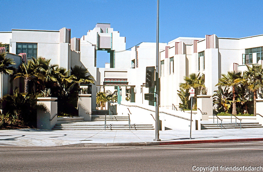 Charles Moore:  Beverly Hills City Hall.  Photo '91.