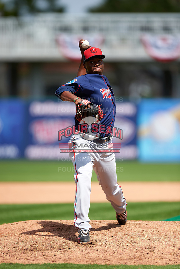 Minnesota Twins pitcher Randy Rosario (76) during a Spring Training practice on March 1, 2016 at Hammond Stadium in Fort Myers, Florida.  (Mike Janes/Four Seam Images)