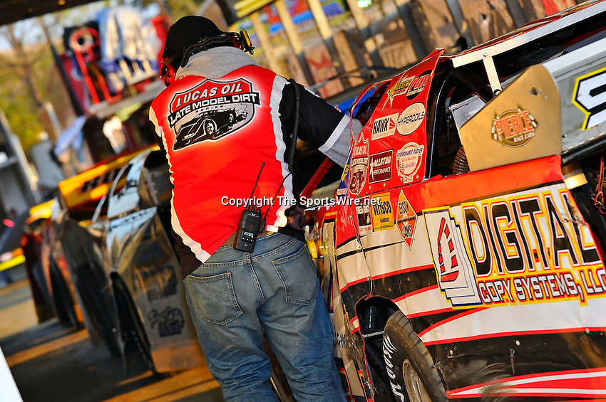 Feb 11, 2011; 5:48:10 PM; Gibsonton, FL., USA; The Lucas Oil Dirt Late Model Racing Series running The 35th annual Dart WinterNationals at East Bay Raceway Park.  Mandatory Credit: (thesportswire.net)