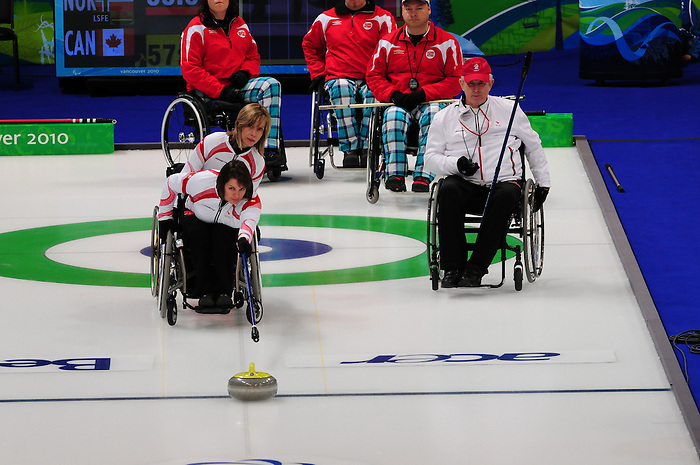 Ina Forrest, Vancouver 2010 - Wheelchair Curling // Curling en fauteuil roulant.<br /> Team Canada competes in Wheelchair Curling // Équipe Canada participe en curling en fauteuil roulant. 14/03/2010.