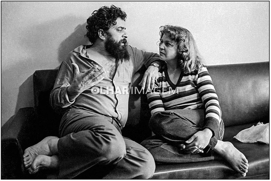 Lula e Marisa em casa, Sao Bernardo do Campo. SP. 1983. © Juca Martins.