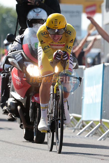 Race leader Tadej Pogacar (SLO) UAE Team Emirates during Stage 20 of the 2021 Tour de France, an individual time trial running 30.8km from Libourne to Saint-Emilion, France. 17th July 2021.  <br /> Picture: Colin Flockton | Cyclefile<br /> <br /> All photos usage must carry mandatory copyright credit (© Cyclefile | Colin Flockton)