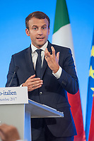 EMMANUEL MACRON A LA TRIBUNE - 34EME SOMMET FRANCO-ITALIEN A LYON
