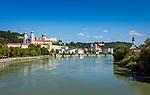 Deutschland, Niederbayern, Passau: 3-Fluesse-Stadt mit Dom St. Stephan sowie Veste Oberhaus, Fluss Inn | Germany, Lower Bavaria, Passau with cathedral St. Stephan, fort Oberhaus and river Inn