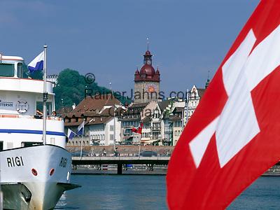 Schweiz, Kanton Luzern, Luzern: Altstadt mit Rathaus und Schiffsanlegestelle - Schweizer Flagge   Switzerland, Canton Lucerne, City Lucerne: Old Town with Townhall and shipping pier - Swiss flag