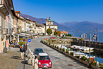 Italy, Piedmont, Cannobio: picturesque small town with historical old town, seaside promenade and small marina | Italien, Piemont, Cannobio: malerisches Staedtchen mit historischem Altstadtkern, Uferpromenade und kleiner Bootshafen