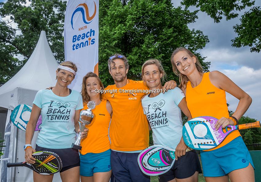 Den Bosch, Netherlands, 17 June, 2017, Tennis, Ricoh Open,  Beach tennis tournament, winners (L) and runners up woman's<br /> Photo: Henk Koster/tennisimages.com