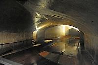 - Metropolitana Milanese, Servizio Idrico Integrato, uno dei principali nodi idraulici della rete fognaria di Milano sotto  piazza Bonomelli, realizzato fra il 1900 e il 1927.<br /> <br /> - Milan Metro, Integrated Water Service, one of the main hydraulic hubs of Milan sewerage system under Bonomelli square, built between 1900 and 1927.