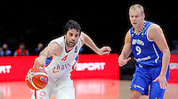 Serbia's Milos Teodosic (L) vies with Finland's Sasu Salin (R) during European basketball championship, round of 16 basketball match between Serbia and Finland on September 13, 2015 in Lille, France  (credit image & photo: Pedja Milosavljevic / STARSPORT)