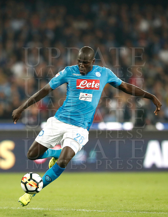 Calcio, Serie A: Napoli, stadio San Paolo, 21 ottobre 2017.<br /> Napoli's Kalidou Koulibaly in action during the Italian Serie A football match between Napoli and Inter at Napoli's San Paolo stadium, October 21, 2017.<br /> UPDATE IMAGES PRESS/Isabella Bonotto