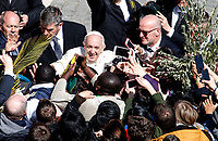 Pope Francis greets faithful at the end of the Palm Sunday Mass in St. Peter's Square at the Vatican, March 25, 2018.<br /> UPDATE IMAGES PRESS/Riccardo De Luca<br /> <br /> STRICTLY ONLY FOR EDITORIAL USE