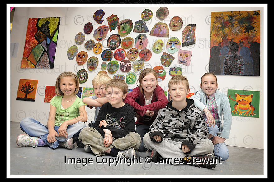 22/06/2009  Copyright  Pic : James Stewart.23_cross_currents.DELTA STUDIOS :: CROSS CURRENTS EXHIBITION :: SOME OF THE PUPILS WHO TOOK PART :: LTOR EVA SMITH (8, ST. ANDREW'S), RYAN BENNETT (5, CARRON), JOSH HALE (7, KINNAIRD), NIAMH HAINEY (9, COMELY PARK), RUAIRIDH GARDNER (9, LANGLEES) AND KERYN HOWISON (8, WALLACESTONE) :: .James Stewart Photography 19 Carronlea Drive, Falkirk. FK2 8DN      Vat Reg No. 607 6932 25.Telephone      : +44 (0)1324 570291 .Mobile              : +44 (0)7721 416997.E-mail  :  jim@jspa.co.uk.If you require further information then contact Jim Stewart on any of the numbers above.........