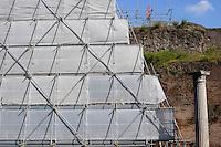 La Piramide Cestia è una piramide di stile egizio sita a Roma, la cui costruzione fu completata nel 12 a.C.<br /> The Pyramid of Cestius is an ancient pyramid in Rome, Italy,