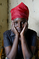 RUANDA, Butare, urban refugees from Burundi , Josiane Mukumana / burundische Fluechtlinge, Frau Josiane Mukumana
