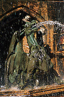 Europe/Autriche/Tyrol/Innsbruck: Fontaine aux cygnes place Bozner