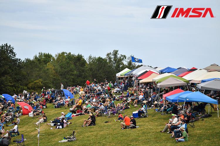IMSA WeatherTech SportsCar Championship<br /> Motul Petit Le Mans<br /> Road Atlanta, Braselton GA<br /> Saturday 7 October 2017<br /> Turn 5 crowd<br /> World Copyright: Richard Dole<br /> LAT Images