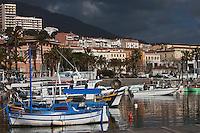 Europe/France/Corse/2A/Corse-du-Sud/Ajaccio: le port de péche et ses pointus au matin