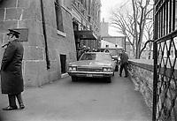 Le  Front Commun - Incarceration des trois chefs Syndicaux :  Marcel Pepin (CSN), Louis Laberge (FTQ) et Yvon Charbonneau (CEQ)<br /> , le 9 mai 1972<br /> <br /> Photographe : Photo Moderne<br /> <br /> - Agence Quebec Presse