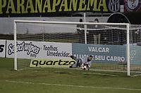 Campinas (SP), 13/05/2021 - Futebol - Ponte Preta - Botafogo-SP - Ygor Vinhas defend penalti e classifica a Ponte Preta. Partida entre Ponte Preta e Botafogo-SP pelas quartas de final do Trofeu do Interior, nesta quinta-feira (13), no Estadio Moises Lucarelli, em Campinas (SP). (Foto: Denny Cesare/Codigo 19/Codigo 19)