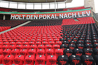 Hinterleger , Feature , Allgemein , Hintergrund , Banner der Leverkusen Fans , Holt den Pokal nach LEV , Geisterspiel , leer , leere Sitze , Ränge , Tribüne , Stadion , Block , innen ,  <br /> <br /> firo, Sport, Fussball, Pokalfinale: Saison 2019/2020, 04.07.2020<br /> DFB-Pokal Finale der Herren<br /> Bayer Leverkusen - FC Bayern München , Muenchen<br /> <br /> Foto: <br /> Jürgen Fromme / firosportphoto / POOL / Marc Schueler / Sportpics.de<br /> <br /> Nur für journalistische Zwecke! Only for editorial use!