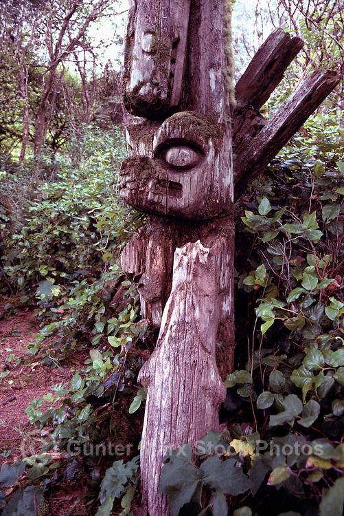 Nuu-chah-nulth Totem Pole, Acous Peninsula, Kyuquot Sound, off West Coast of Vancouver Island, BC, British Columbia, Canada