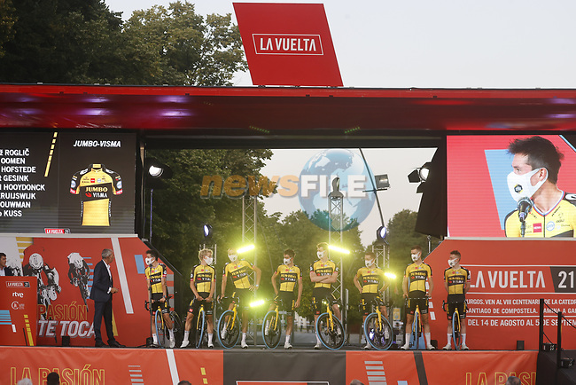 Jumbo-Visma on stage at the Team Presentation before La Vuelta d'Espana 2021 held in Burgos city centre, Spain. 12th August 2021.    <br /> Picture: Luis Angel Gomez/Photogomezsport | Cyclefile<br /> <br /> All photos usage must carry mandatory copyright credit (© Cyclefile | Luis Angel Gomez/Photogomezsport)