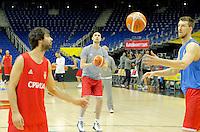 Milos Teodosic Nikola Milutinov Ognjen Kuzmic European championship group B trening Srbija Serbia's training session  07. September 2015 in Berlin, Germany  (credit image & photo: Pedja Milosavljevic / STARSPORT)