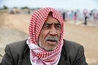 TURKEY, Suruc,10 km away from syrian border and from IS Islamic state besieged town Kobani, syrian refugees from Kobane in refugee camp / TUERKEI, Suruc, 10 km entfernt von der syrischen Grenze und der vom IS belagerten Stadt Kobani, syrische Fluechtlinge aus Kobane in einem Fluechtlingslager
