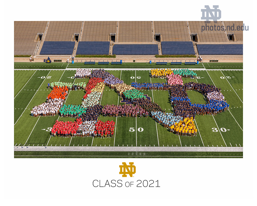 Group photo of incoming first year class, fall 2017. (Photo by Peter Ringenberg/University of Notre Dame)