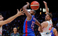 Spain's Pau Gasol (R) vies with France's Boris Diaw (L) during European championship semi-final basketball match between France and Spain on September 17, 2015 in Lille, France  (credit image & photo: Pedja Milosavljevic / STARSPORT)