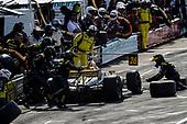 Zach Veach, Andretti Autosport Hondam, pit stop