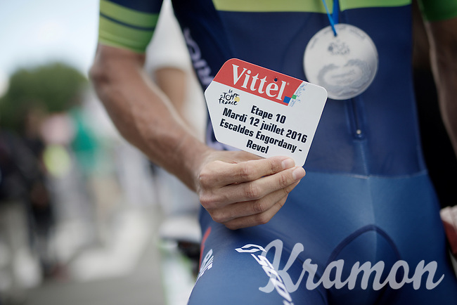 stage 10 winner Michael 'Bling' Matthews (AUS/Orica-BikeExchange) receives a medal&plaque to commemorate his win<br /> <br /> stage 11: Carcassonne - Montpellier (162km)<br /> 103rd Tour de France 2016
