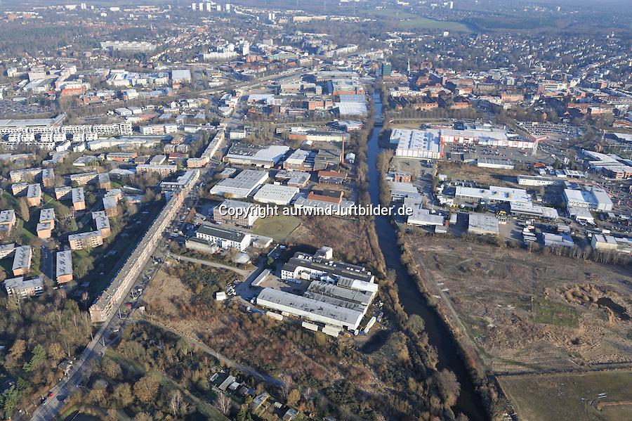 Schleusengraben: EUROPA, DEUTSCHLAND, HAMBURG, (EUROPE, GERMANY), 27.01.2011:Schleusengraben, Vierlandenstrasse, Weidenbaumsweg, Bergedorf,  Zentrum, Uebersicht,  Stadtansicht,  Baustelle, Neubau, Bau, Baugrundstueck, Stadtentwicklung,  Luftbild, Luftansicht, Air, Aufwind-Luftbilder..c o p y r i g h t : A U F W I N D - L U F T B I L D E R . de.G e r t r u d - B a e u m e r - S t i e g 1 0 2, .2 1 0 3 5 H a m b u r g , G e r m a n y.P h o n e + 4 9 (0) 1 7 1 - 6 8 6 6 0 6 9 .E m a i l H w e i 1 @ a o l . c o m.w w w . a u f w i n d - l u f t b i l d e r . d e.K o n t o : P o s t b a n k H a m b u r g .B l z : 2 0 0 1 0 0 2 0 .K o n t o : 5 8 3 6 5 7 2 0 9.C o p y r i g h t n u r f u e r j o u r n a l i s t i s c h Z w e c k e, keine P e r s o e n l i c h ke i t s r e c h t e v o r h a n d e n, V e r o e f f e n t l i c h u n g  n u r  m i t  H o n o r a r  n a c h M F M, N a m e n s n e n n u n g  u n d B e l e g e x e m p l a r !.