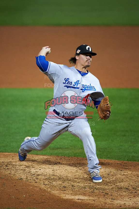 Glendale Desert Dogs pitcher Rob Rogers (41) delivers a pitch during an Arizona Fall League game against the Salt River Rafters on October 22, 2015 at Salt River Fields at Talking Stick in Scottsdale, Arizona.  Glendale defeated Salt River 7-5.  (Mike Janes/Four Seam Images)