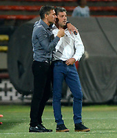 MEDELLIN  -  COLOMBIA: 02 - 05 - 2017: Nelson Vivas, técnico de Estudiantes de la Plata, durante partido de la fase de grupos, grupo 1 fecha 4, entre Atletico Nacional y Estudiantes de la Plata de Argentina, por la Copa Conmebol Libertadores Bridgestone 2017, en el Estadio Atanasio Girardot, de la ciudad de Medellin./ Nelson Vivas, coach of Estudiantes de la Plata, during a match for the group stage, group 1 of the date 4, between Atletico Nacional of Colombia and Estudiantes de la Plata of Argentina, for the Conmebol Libertadores Bridgestone Cup 2017, at the Atanasio Girardot, Stadium, in Medellin city. Photos: VizzorImage / Leon Monsalve / Cont.