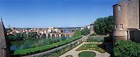 Europe/France/Midi-Pyrénées/81/Tarn/Albi : Les bords du Tarn et le Palais de la Berbie qui contient le musée Toulouse Lautrec