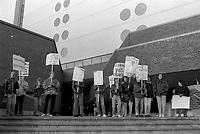 Greves des etudiants au CEGEP du Vieux-Montreal et a l'UQAM, le 25 octobre 1986<br /> <br /> <br /> PHOTO :  : Agence Quebec Presse