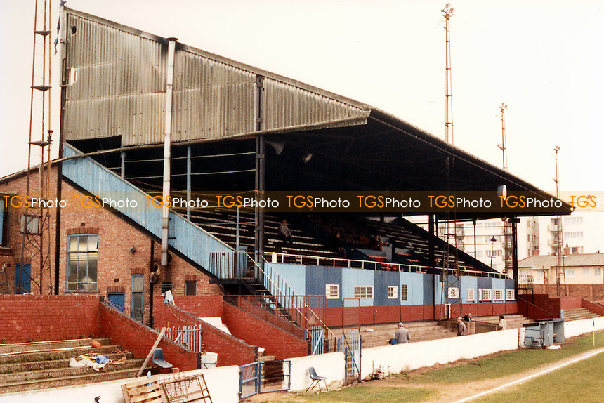 Main Stand at Green Pond Road, home of Walthamstow Avenue Football Club - Circa 1988 - MANDATORY CREDIT: Gavin Ellis/TGSPHOTO - Self billing applies where appropriate - 0845 094 6026 - contact@tgsphoto.co.uk - NO UNPAID USE.