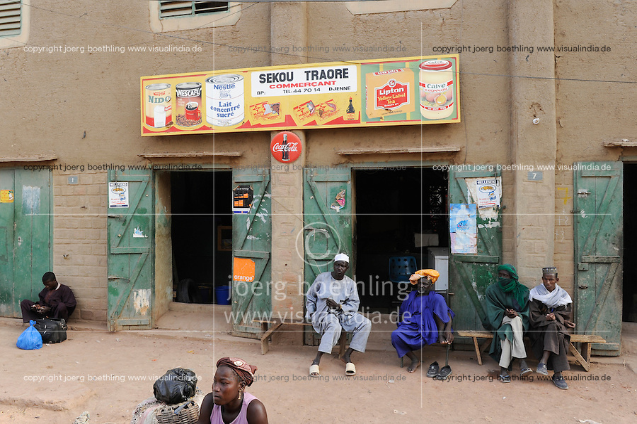 MALI Djenne , muslim men infront of shop with Nestle and Coca Cola advertisement / MALI Djenné , muslimische Maenner vor Laden mit Nestle und coca Cola Werbung
