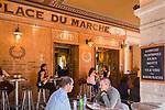 Fuerstentum Monaco, an der Côte d'Azur, Stadtteil La Condamine: Café Place du Marche am Place d'Armes   Principality of Monaco, on the French Riviera (Côte d'Azur), district La Condamine: Café Place du Marche at square Place d'Armes