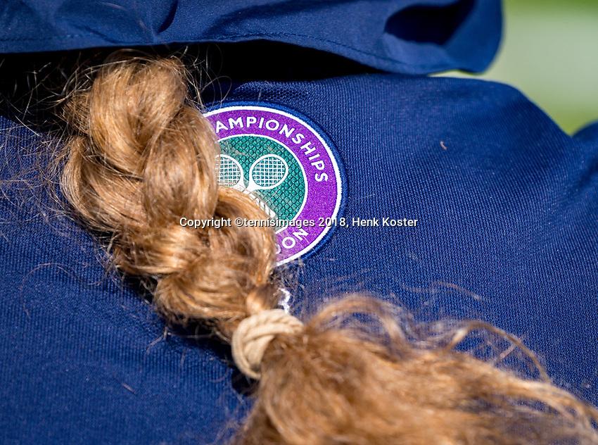 London, England, 3 th. July, 2018, Tennis,  Wimbledon, Wimbledon logo on ballgirls shirt<br /> Photo: Henk Koster/tennisimages.com