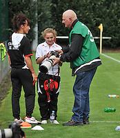 Supercup seizoen 2011 - 2012 ; Kampioen Standard Femina tegen Bekerwinnaar Waasland Beveren Sinaai Girls : Davina Philtjens als fotograaf.foto DAVID CATRY / Vrouwenteam.be