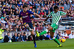 Sergi Roberto Carnicer, S Roberto, of FC Barcelona (L) fights for the ball with Hector Junior Firpo Adames of Real Betis during the La Liga 2018-19 match between FC Barcelona and Real Betis at Camp Nou, on November 11 2018 in Barcelona, Spain. Photo by Vicens Gimenez / Power Sport Images