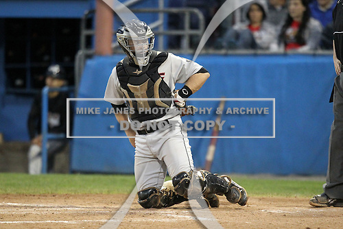Tri-City Valleycats catcher Chris Wallace (19) during game two of the NYPL Semifinals vs. the Batavia Muckdogs at Dwyer Stadium in Batavia, New York September 8, 2010.   Batavia defeated Tri-City 5-4.  Photo By Mike Janes/Four Seam Images