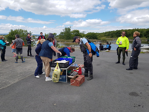 Refreshments are served at the Kilbeg stop of the Cong Galway Race