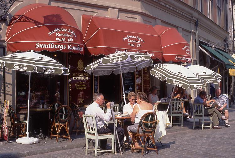 SWE, Schweden, , Stockholm, Altstadt, Gamla Stan, Sundbergs Konditori, Sundbergs Konditori ist das aelteste Cafe Stockholms.<br /> [Fuer die Nutzung gelten die jeweils gueltigen Allgemeinen Liefer-und Geschaeftsbedingungen. Nutzung nur gegen Verwendungsmeldung und Nachweis. Download der AGB unter http://www.image-box.com oder werden auf Anfrage zugesendet. Freigabe ist vorher erforderlich. Jede Nutzung des Fotos ist honorarpflichtig gemaess derzeit gueltiger MFM Liste - Kontakt, Uwe Schmid-Fotografie, Duisburg, Tel. (+49).2065.677997, fotofinder@image-box.com, www.image-box.com]