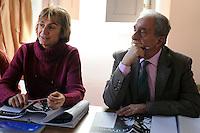 Lezione di Francese di Edmond Galasso.Upter. L' Università popolare di Roma si occupa dell' apprendimento permanente degli adulti.Popular University of Rome is responsible for Life Long Learning.